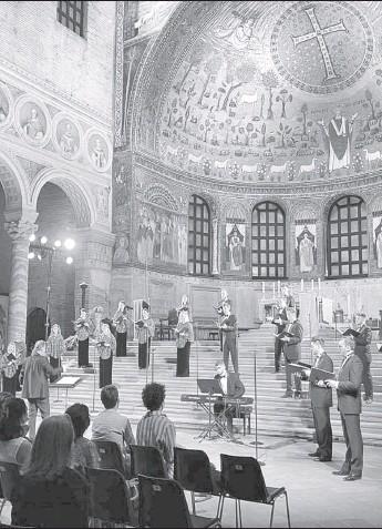 ??  ?? Муніципальний академічний камерний хор « Київ » єдиний виступ наживо на «Ravenna Festival -2021»