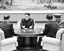 ?? PHOTO: REUTERS ?? Kim Jong-un -led ( centre) North Korea could fire an ICBM into the Pacific Ocean as it had threatened to launch missiles toward Guam, which prompted warnings of retaliation from American military officials