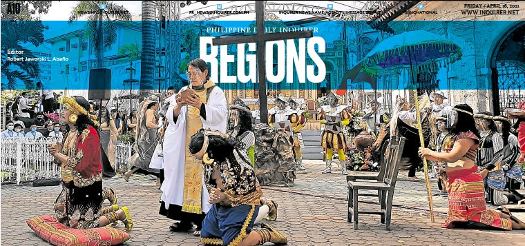 ?? —NESTLE SEMILLA ?? Robert Jaworski L. Abaño CHRISTIANITY'S ARRIVAL Actors reenact the first baptism in the Philippines during the celebration of the event's 500th anniversary at Cebu City's Plaza Sugbo, where the cross of Portuguese explorer Ferdinand Magellan is housed in a kiosk.