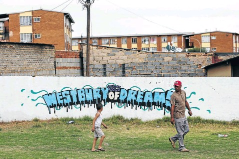 ?? Picture: Alaister Russell ?? Dreams have long been broken in the Johannesburg suburb of Westbury, where residents are caught up in the violence between local gangs.