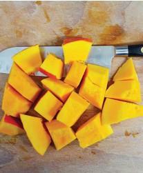 ??  ?? N'ôtez pas la peau du potimarron, elle se mixe très facilement après cuisson.