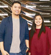??  ?? Blackwater brand man­ager Ivan Banez and sports mar­ket­ing of­fi­cer Lady Hul­lana.