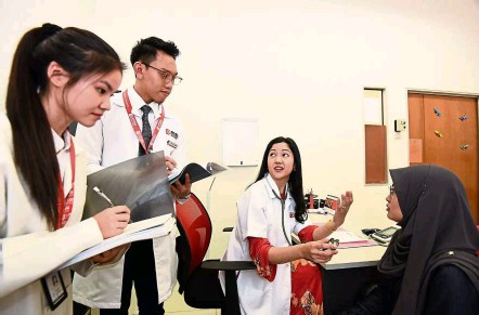 ??  ?? A key feature that distinguishes MSU's MBBS programme is the emphasis on clinical communication skills and early clinical contact visit to medical practices, community care facilities and hospitals.