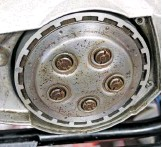 ??  ?? Clutch runs dry – and works well when set up right