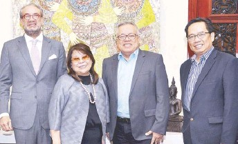 ??  ?? (From left) Ambassador Jose Miguel Capdevila, Philippine Chamber of Commerce and Industry (PCCI) president Ma. Alegria Sibal-Limjoco, Secretary Ramon Lopez and Foreign Affairs Assistant Secretary for international economic relations Leo Herrera-Lim.