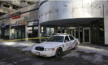 ?? KEITH BEATY/TORONTO STAR FILE PHOTO ?? After a January 2015 shooting involving police, officers attempted to access and copy security footage ahead of civilian investigators, according to a letter from the SIU to Toronto's police chief.