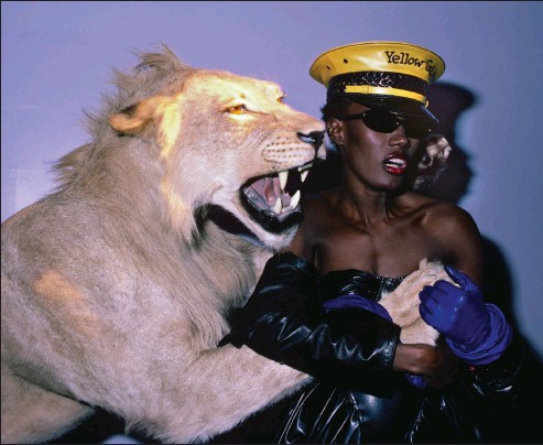 ??  ?? Nightclubbing singer Grace Jones (and friend) at New York's short-lived Area in 1984