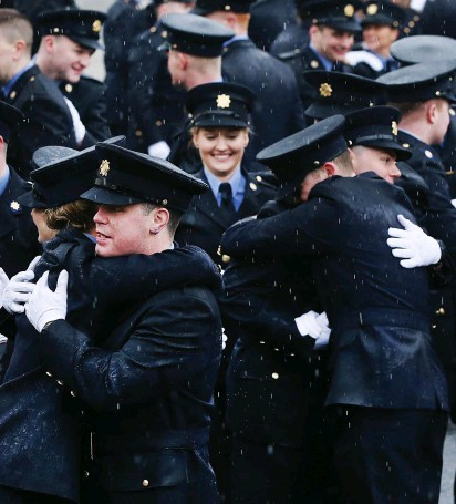 ??  ?? Cel­e­bra­tion time af­ter the pass­ing out cer­e­mony at Garda Col­lege,Tem­ple­more. Photo: Steve Humphreys
