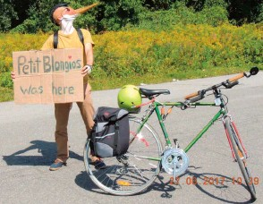 ??  ?? Cyclist masquerades as Least Bittern (fr : Petit Blongios) ©John Symon