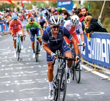 ??  ?? Julian Alaphilippe makes the racewinning attack at the 2020 Worlds