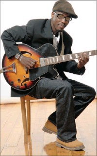 ??  ?? Pianist Susan Barry, top, and guitarist Zoco Dimande comprise the Durban Maputo Connection. Hear them on Friday at the 21st annual Jazz Jol.