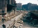 ?? FOTO: CONSTANTIN GRUNBERG/HELSINGFORS STADSMUSEUM ?? Så här såg det ut då Brunnsgatan ■ grävdes upp i samband med bygget av Stationstunneln 1967.
