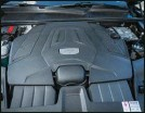 ??  ?? Le V6 du Cayenne S délivre 440 ch.
