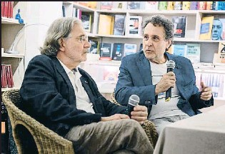 ?? MONTSE GIRALT ?? Josep Pons presentó en la +Bernat el libro La orquesta que publica Jorge de Persia