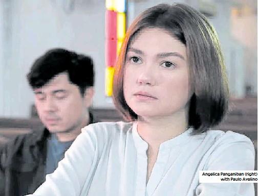 ??  ?? Angelica Panganiban (right) with Paulo Avelino