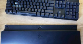 ?? ?? A detachable wrist rest is an unexpected extra from a keyboard at this price.