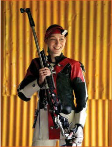 ??  ?? Seonaid McIntosh during a photocall for the Tokyo Olympics 2020 at her shooting range in Alloa