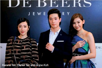 ??  ?? Andrew Coxon is an internationally renowned expert in diamonds, with more than 50 years' experience Karena Teo, Daniel Tan and Anjoe Koh