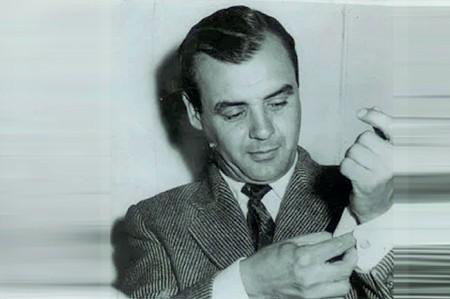 ?? (foto: Francesco Natali) ?? Sopra lo scrittore livornese Carlo Coccioli (1920-2003), sotto l'autore di «Grande Karma» Alessandro Raveggi