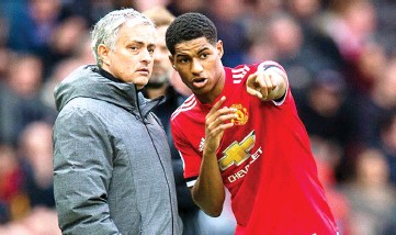 ??  ?? Manchester United manager Jose Mourinho (left) and Marcus Rashford (right) during a match.