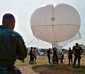 ?? Divulgação ?? Militares participam de treinamento para uso de balões adquiridos para a Olimpíada