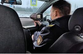 ?? ФОТО ПРЕДОСТАВЛЕНО ОБЛАСТНОЙ ГАИ ?? Только за один день необычный экипаж привлек к ответственности 17 водителей-нарушителей.