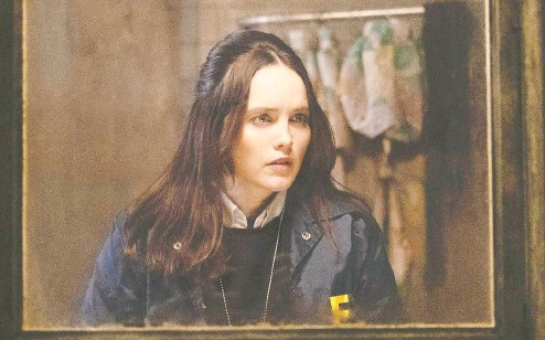 ?? CBS ?? In the series Clarice, Rebecca Breeds breathes new life into the character made famous by Jodie Foster in 1991's The Silence of the Lambs.