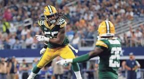 ?? ASSOCIATED PRESS ?? Packers outside linebacker Za'Darius Smith celebrates after sacking Cowboys quarterback Dak Prescott during the second half.