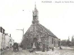 ??  ?? Le pardon de Sainte-Anne animé par les Amis de la chapelle, chaque année le 26 juillet, vient rappeler l'importance de cet édifice ancré dans l'histoire de Ploemeur. En effet, c'est dans ses murs que fut écrit le cahier de doléances au mois d'avril...