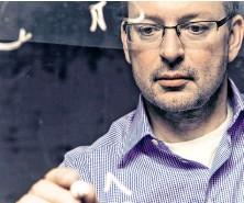 ??  ?? Der Autor bei der Arbeit: Mathematikprofi und Schachaficionado Christian Hesse.