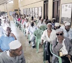 ?? /PRAXIDES CHETI ?? Lamu Shifta war victims during a past meeting