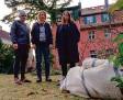 ?? Foto: ZDF ?? Bernhard (M. Lott), Tamara (A. Pahl) und Luna (C. Erikson, r.).
