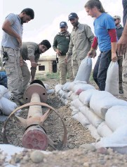 ??  ?? Dangerous conditions 122mm Iranian missile uncovered and cleared in Baiji, Iraq