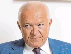 ?? Foto: Ladislav Křivan, MAFRA ?? Bydlení za 25 milionů K novému bytu předsedy poslaneckého klubu ANO Jaroslava Faltýnka patří i tři parkovací místa.