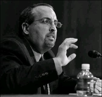 ?? BY ALEX WONG — GETTY IMAGES ?? Bradley Schlozman is accused of favoring political conservatives in hiring decisions when he was acting assistant attorney general for the Justice Department's civil rights division. He has since left the division.