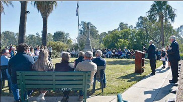 ??  ?? Wahgunyah Progress Association committee member Alan Pleitner and Corowa RSL Sub-branch President Martin Magill delivered a beautiful Commemorative Service for the residents of Wahgunyah.