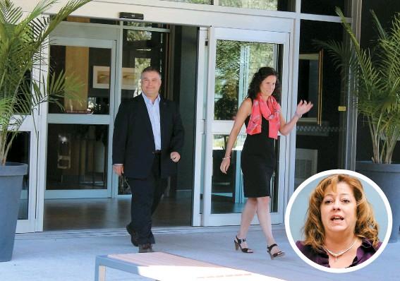 ??  ?? Le ministre de l'éducation, Sébastien Proulx, a rendu un dernier hommage à son ancienne collègue du temps de L'ADQ, Sylvie Roy.