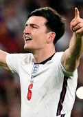 ??  ?? England defender Harry Maguire celebrates the win over Denmark