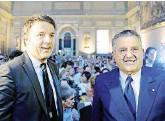 ?? Ansa ?? Ex Gruppo Espresso L'ex premier Matteo Renzi e il presidente di Gedi, Carlo De Benedetti
