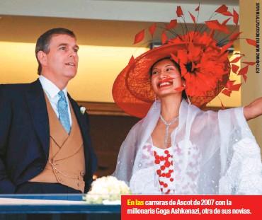 ??  ?? En las carreras de Ascot de 2007 con la millonaria Goga Ashkenazi, otra de sus novias.