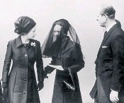 ??  ?? The Queen and the Duke of Edinburgh talk to the Duchess of Windsor after the Duke of Windsor's funeral in 1972 at St George's Chapel