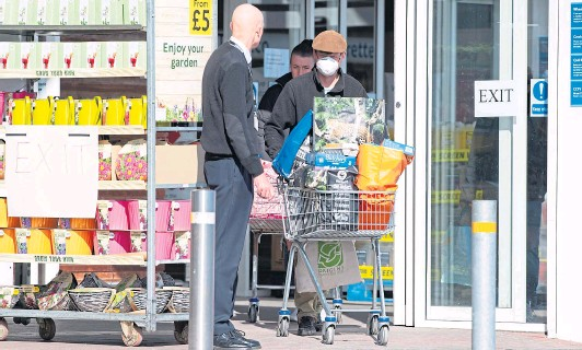 ??  ?? Most people are getting the message about social distancing, and the big changes we're all now seeing when we go out to the supermarket have helped drive home the government's rules to help stop the spread of Covid-19