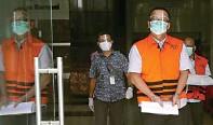 ?? FEDRIK TARIGAN/JAWA POS ?? PERPANJANGAN PENAHANAN: Edhy Prabowo setelah menjalani pemeriksaan lanjutan di gedung KPK, Jakarta, kemarin (22/2).