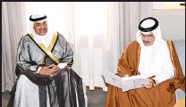 ?? KUNA photos ?? Left: HH the Amir envoy delivers a letter to the Bahraini King received by Deputy King and Crown Prince Salman bin Hamad Al Khalifa. Right: Sheikh Sabah Khaled delivering HH the Amir letter to the Custodian of the Two Holy Mosques King Salman bin...