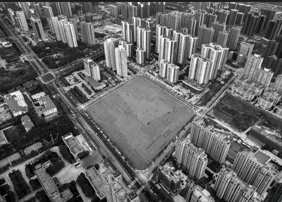 ??  ?? 当下,地产规模红利已接近尾声,如何进行投资决策,已是房企的生死命题视觉中国图