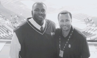 ?? ANDY-MASUR.COM ?? Andy Masur, with Padres Hall of Famer Tony Gwynn in 2012, also worked on WGN Radio with the Cubs from 1999-2007.