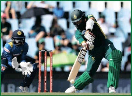??  ?? South Africa's Hashim Amla drives on his way to a magnificent century against Sri Lanka at SuperSport Park yesterday.
