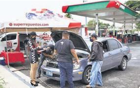 ??  ?? Programa vial. Super Repuestos y Gasolineras Puma Energy motivan a todas las personas en esta épocade lluvias a continuar haciendo la diferencia, respetando las leyes de tránsito.