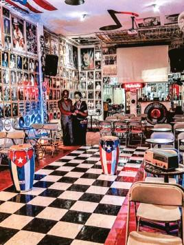 ??  ?? El Museo de la Salsa de Cali tiene más de cinco décadas de historia. Su archivo guarda alrededor de cuarenta mil fotografías impresas y trescientos mil negativos. Foto: Carlos Molina