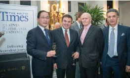??  ?? H.E. Mr. Huang Yong, ambassador of the People's Republic of China; Gene Zolotarev, publisher of The Baltic Times; Dr Valdis Birkavs, former Latvian prime minister; Hamid Ladjevardi, chairman of American Baltic Investments.